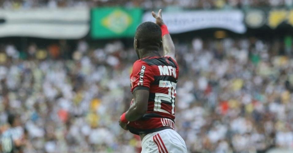 Vinícius Júnior comemora gol do Flamengo diante do Ceará, em jogo no Castelão pelo Campeonato Brasileiro 2018