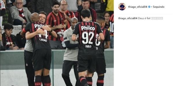 Uma das últimas postagens de Thiago Heleno foi após a vitória sobre o Santos: abraço em F. Diniz