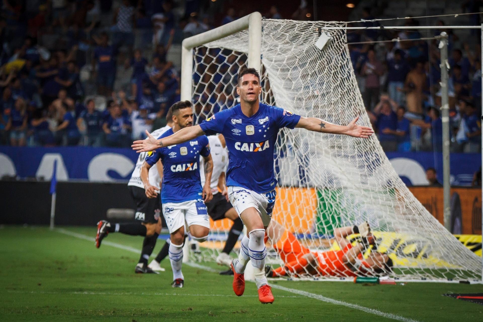 827c30b16b Diretor do Cruzeiro revela proposta do Corinthians por Thiago Neves e Sassá  - 12 12 2018 - UOL Esporte