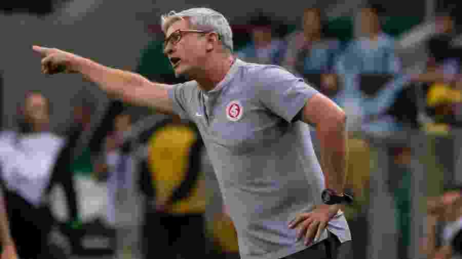 Odair Hellmann, durante partida entre Grêmio e Inter. O treinador foi expulso no jogo - Jeferson Guareze/AGIF