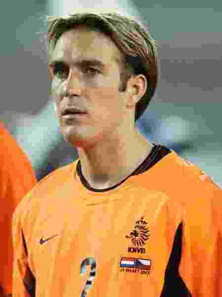 Ex-jogador de clubes como AZ, Rangers e Zenit St. Petersburg, Fernando Ricksen defendeu a seleção da Holanda entre 2000 e 2003 - Christof Koepsel/Bongarts/Getty Images