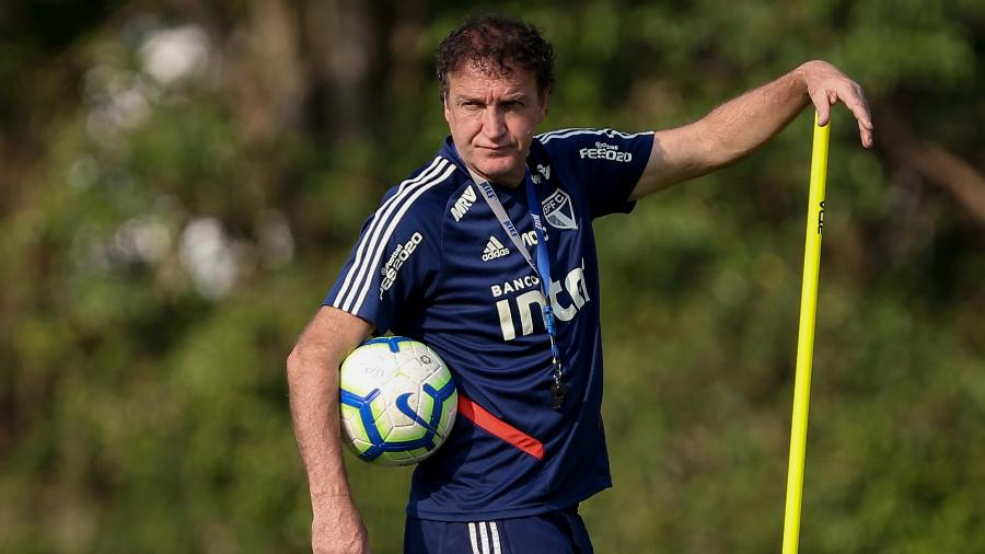 Cuca comandou primeiro treino tricolor em semana de visita ao Botafogo, pelo Brasileirão - Marcello Zambrana/AGIF