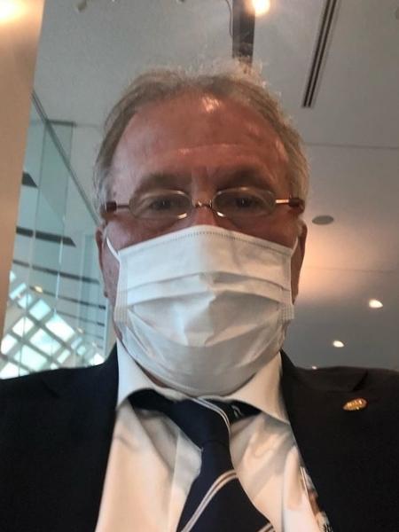 Zico publicou foto com máscara para falar do covid-19 no Japão - reprodução / Instagram