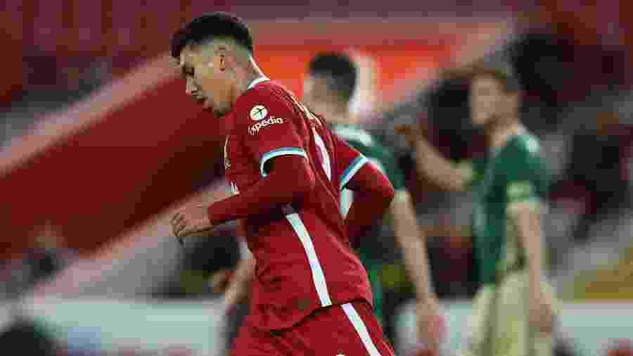 Roberto Firmino comemora após marcar pelo Liverpool contra o Sheffield - John Powell/Liverpool FC via Getty Images