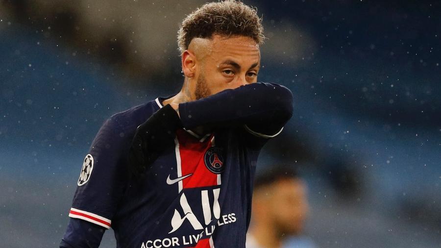 Neymar não conseguiu se destacar no duelo contra o CIty - PHIL NOBLE/REUTERS