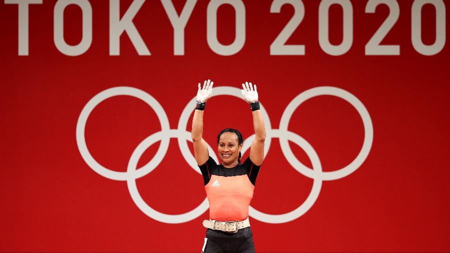 A levantadora de peso Loa Dika Toua, da Papua New Guinea, competindo nos Jogos Olímpicos de Tóquio - Chris Graythen/Getty Images