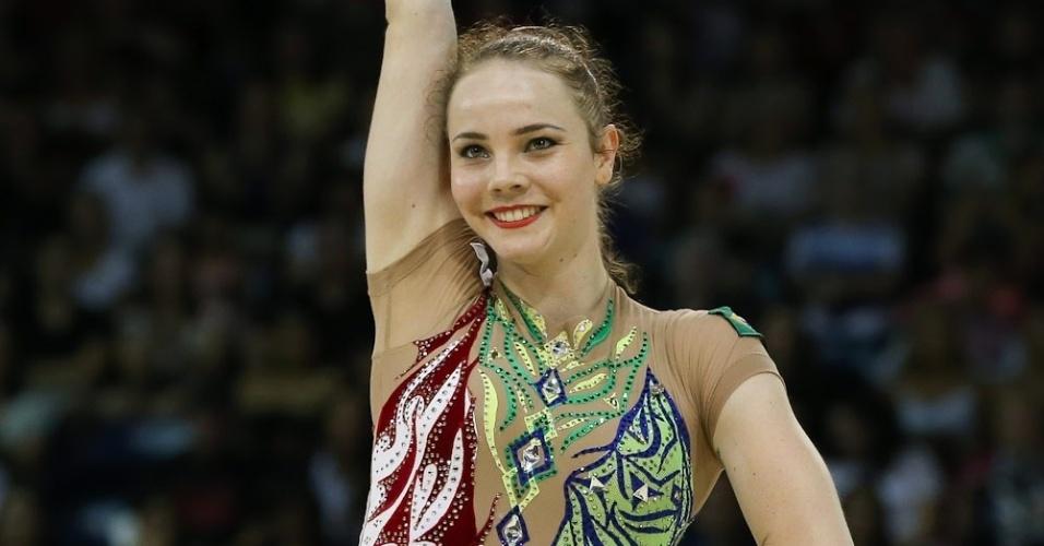 Angelica Kvieczynski durante apresentação individual na ginástica rítmica. Brasileira terminou na quarta colocação