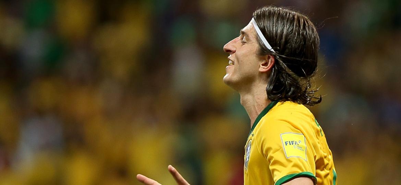 Filipe Luis deve realizar primeiro treino em campo com o Brasil - AFP PHOTO / AFP PHOTO/FELIPE OLIVEIRA