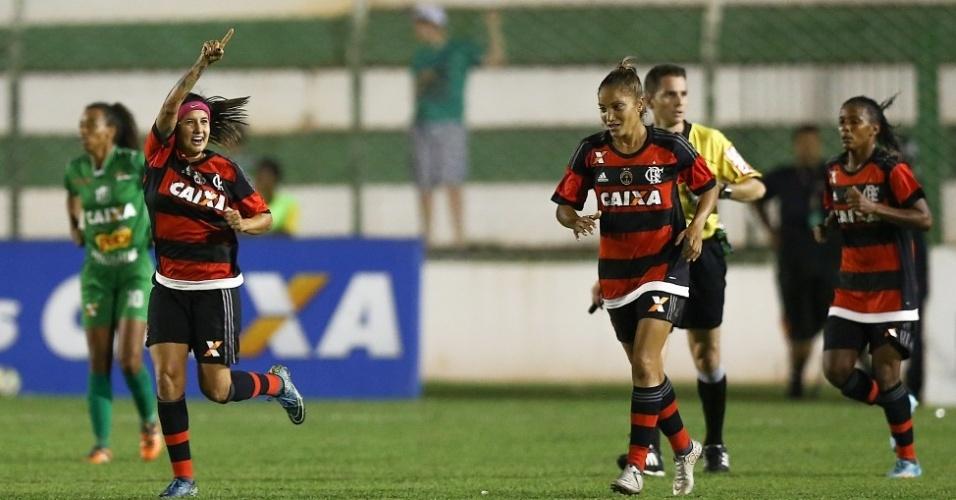 Jogadoras do Flamengo comemoram gol contra o Rio Preto na final do Campeonato Brasileiro feminino de futebol
