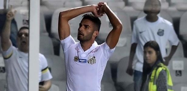 """Volante está empolgado com a recuperação do Santos: """"Falei que seria difícil parar"""""""