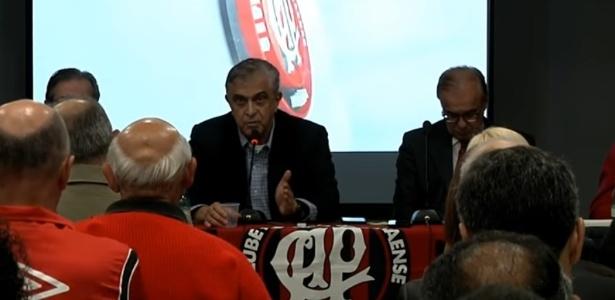 Petraglia está pressionado pela assembléia de sócios