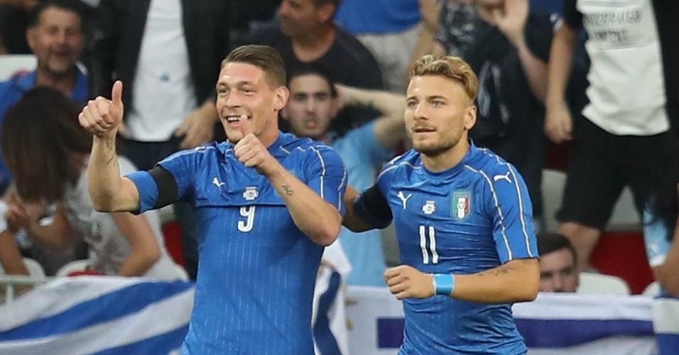 Belotti e Immobile comemoram gol da Itália contra o Uruguai