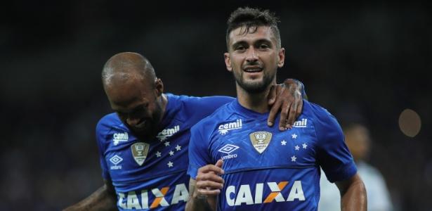 De Arrascaeta comemora gol pelo Cruzeiro. Renovação aumentou assédio sobre o camisa 10