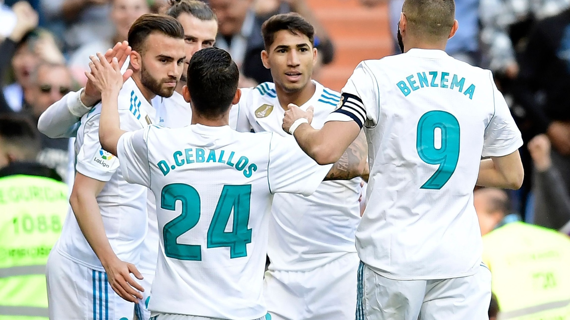 Jogadores do Real Madrid celebram o gol marcado por Bale