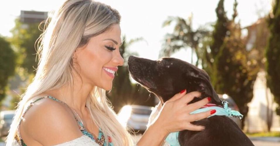 Vanessa é apaixonada por animais e tem uma ONG para cuidar deles