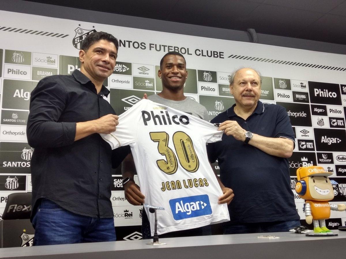 53e7a698df Apresentado no Santos