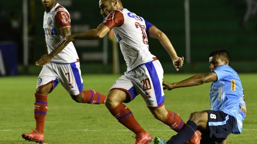 Régis tem contrato com o Bahia até 2020 e pode disputar posição com Sornoza e Jadson no Alvinegro - AIZAR RALDES