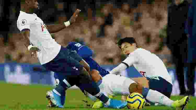 Andre Gomes tem lesão grave durante jogo entre Everton e Tottenham 1 - Andrew Yates/Reuters - Andrew Yates/Reuters