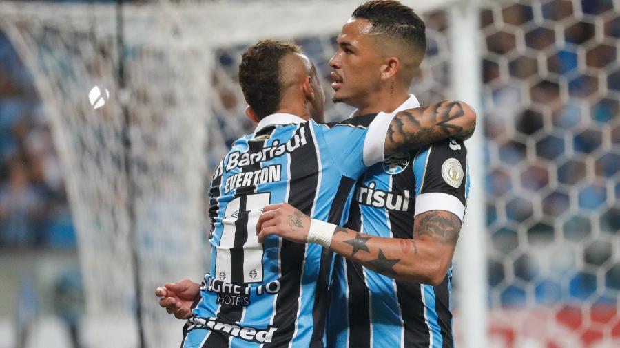 Grêmio de Everton e Luciano acabou com São Paulo em seis minutos: gols  - MAX PEIXOTO/DIA ESPORTIVO/ESTADÃO CONTEÚDO