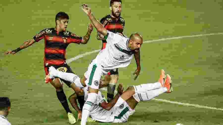 Goiás vem de derrota para o Sport no domingo, na Ilha do Retiro - Paulo Paiva/AGIF