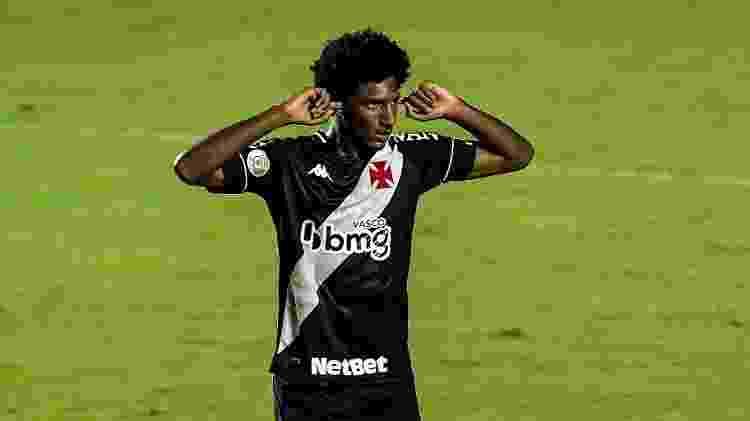 Talles Magno comemora gol marcado pelo Vasco da Gama em clássico contra o Botafogo - Thiago Ribeiro/AGIF - Thiago Ribeiro/AGIF