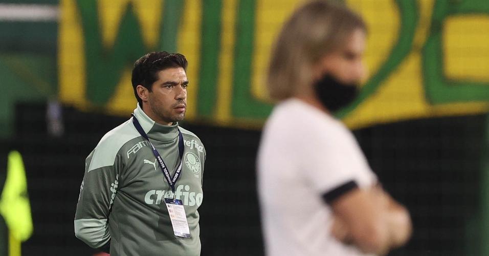 Abel Ferreira no comando do Palmeiras contra o Defensa y Justicia