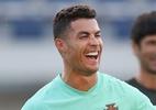 Tá calor? Cristiano Ronaldo faz