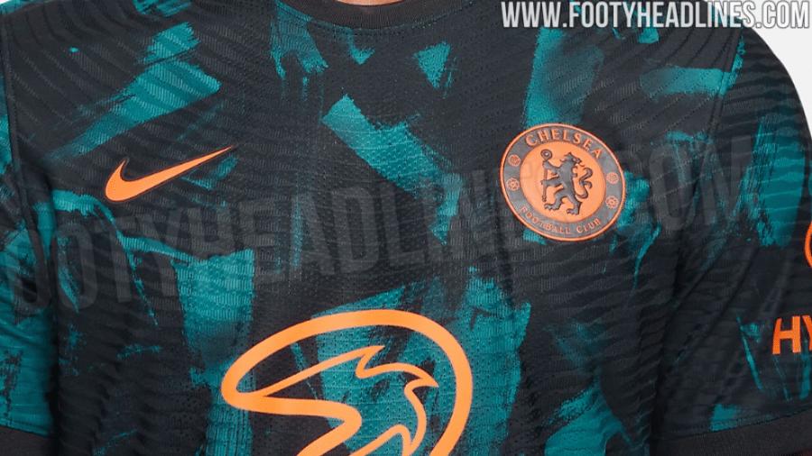 Suposta nova camisa 3 do Chelsea deve ser verde-azulada e laranja - Reprodução/FootyHeadlines.com