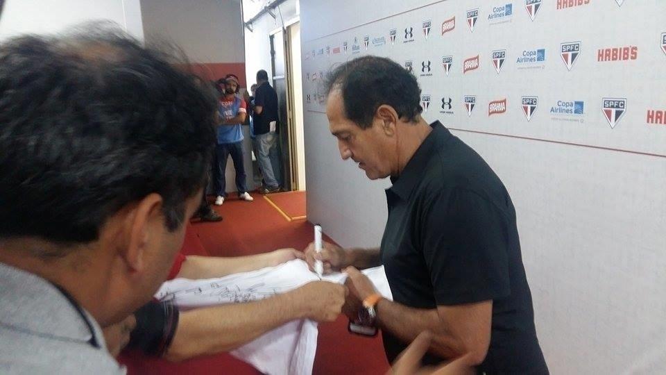 Muricy Ramalho, tricampeão pelo São Paulo e novo treinador do Flamengo, comparece à despedida de Rogério Ceni