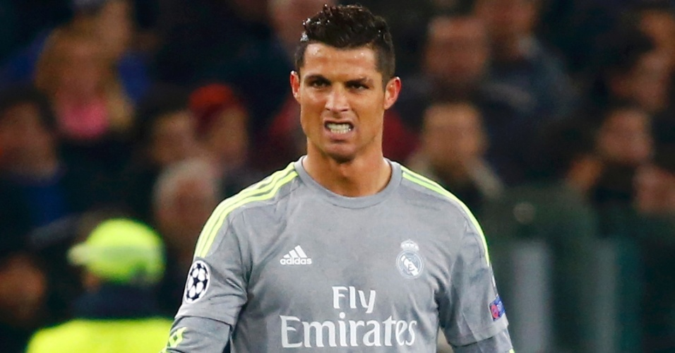 Cristiano Ronaldo comemora após abrir o placar para o Real Madrid contra a Roma pela Liga dos Campeões
