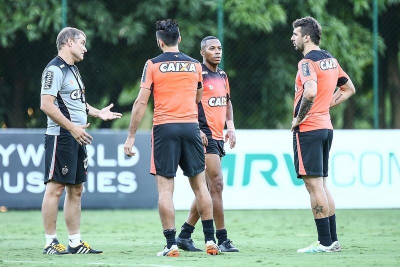 Aguirre preparou o Atlético para ter o trio Dátolo, Robinho e Pratto contra a URT