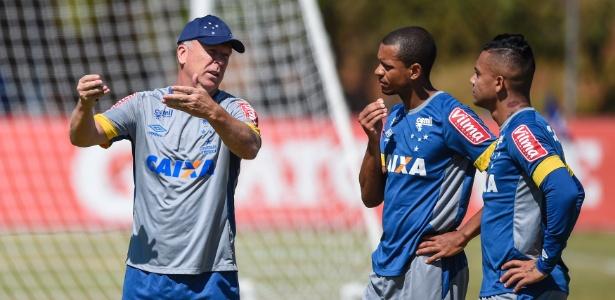 Edimar e Bryan (à direita) não são unanimidades no Cruzeiro