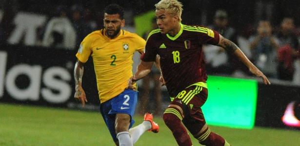 Daniel Alves foi titular nas partidas