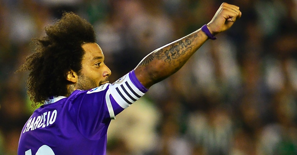 Marcelo comemora gol marcado pelo Real Madrid contra o Betis