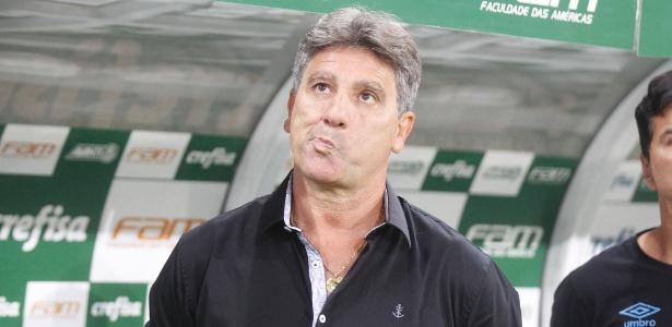 Renato Gaúcho e os demais jogadores foram alvos de tentativa de perturbação