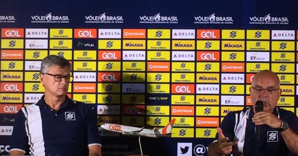 Renan é apresentado como novo técnico da seleção
