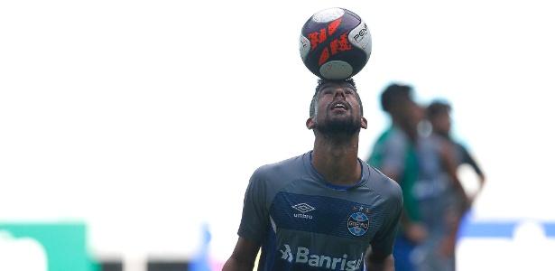 Léo Moura será testado em partida do Grêmio pela Primeira Liga contra o Fla