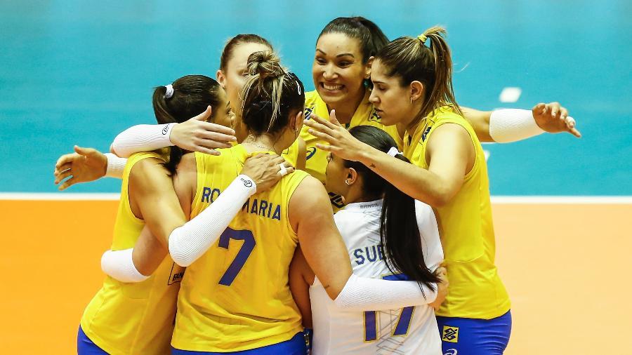 Seleção brasileira comemora ponto contra a Holanda - FIVB/Divulgação