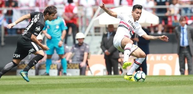 Petros teve grande atuação no clássico contra o Corinthians e agrada a torcida - Robson Ventura/Folhapress