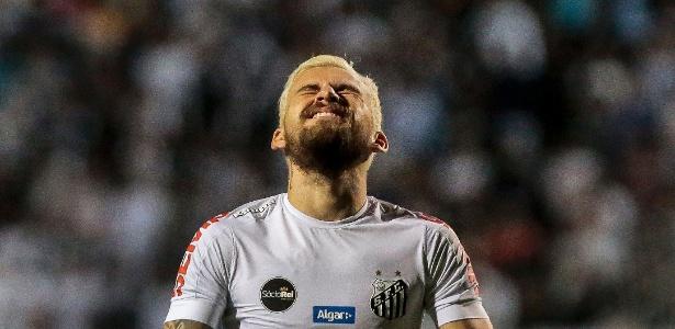 Camisa 10 terá que enfim responder a proposta do Santos para não se despedir