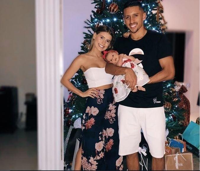 Marquinhos e a mulher Carol Cabrino curtiram o primeiro Natal da pequena Maria Eduarda