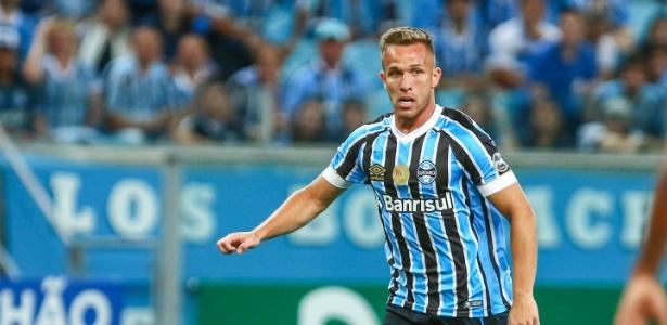 O volante Arthur volta a ser titular do Grêmio 116 dias depois e já negociado com Barcelona - Lucas Uebel/Gremio FBPA