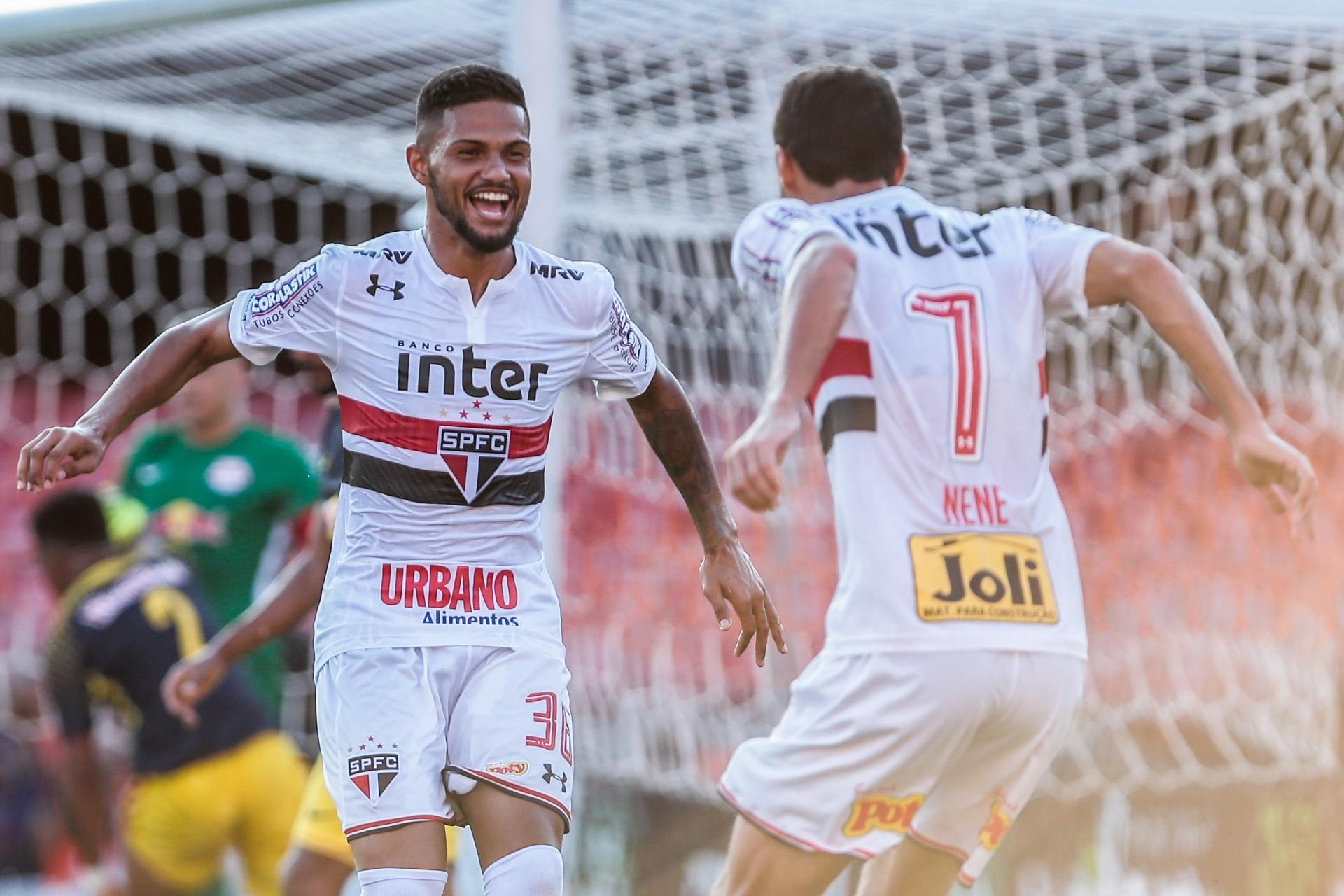 Caíque celebra pausa no Brasileiro e vê chance de buscar o seu espaço no SP  - 13 06 2018 - UOL Esporte 29e73ace49f8c