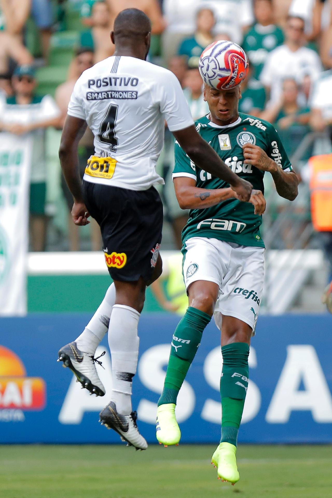 f1de16675073d Palmeiras  Deyverson passa por tratamento psicológico e recebe