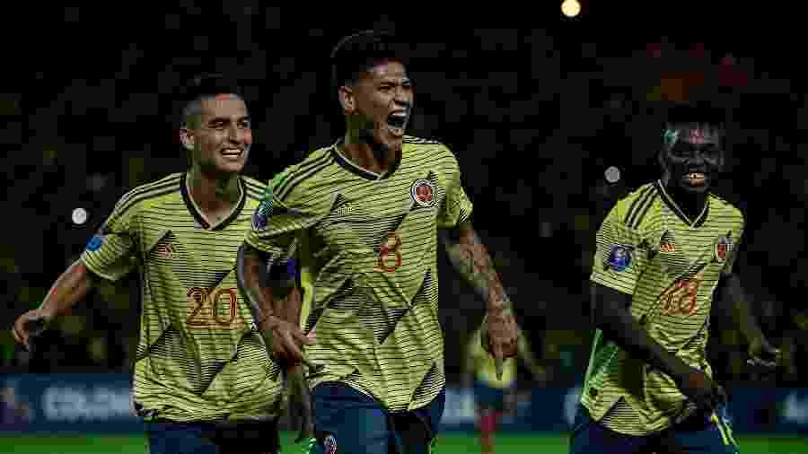 Jorge Carrascal comemorando o gol contra o Equador - Juan Barreto / AFP
