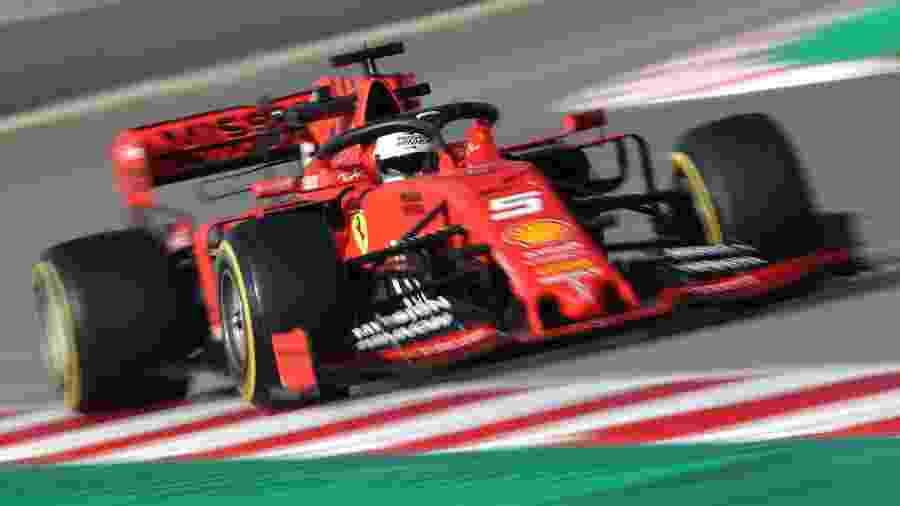 Sebastian Vettel testa carro da Ferrari durante a pré-temporada da F-1 2019, em Barcelona - Albert Gea/Reuters