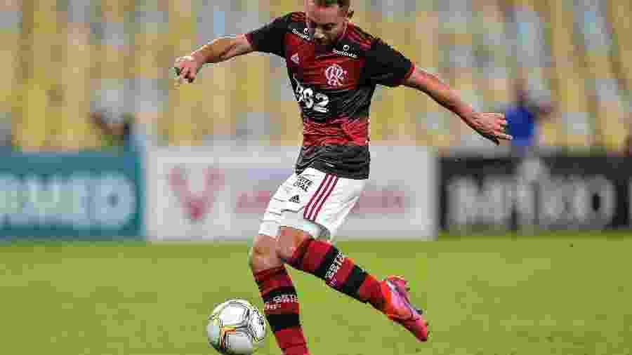 Marca do Azeite Royal estava estampado no calção do uniforme do Flamengo - Thiago Ribeiro/AGIF