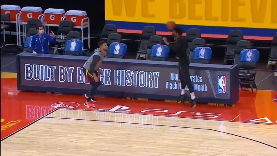 Leandrinho e Curry fazem embaixadinhas com bola de basquete - Reprodução/Twitter
