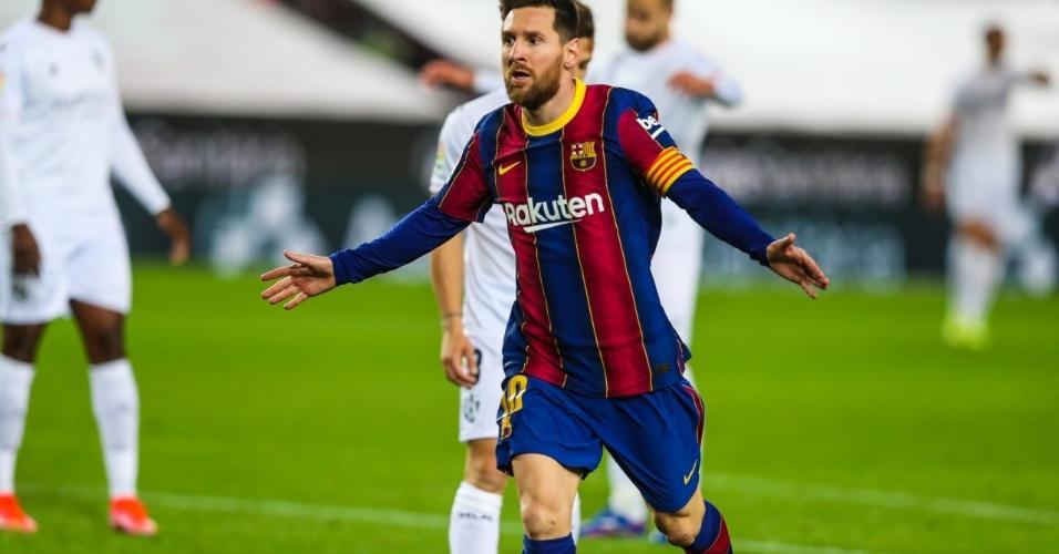 Messi marcou dois gols na vtiória do Barcelona sobre o Huesca por 4 x 1, no jogo em que igualou o recorde de jogos de Xavi pelo clube