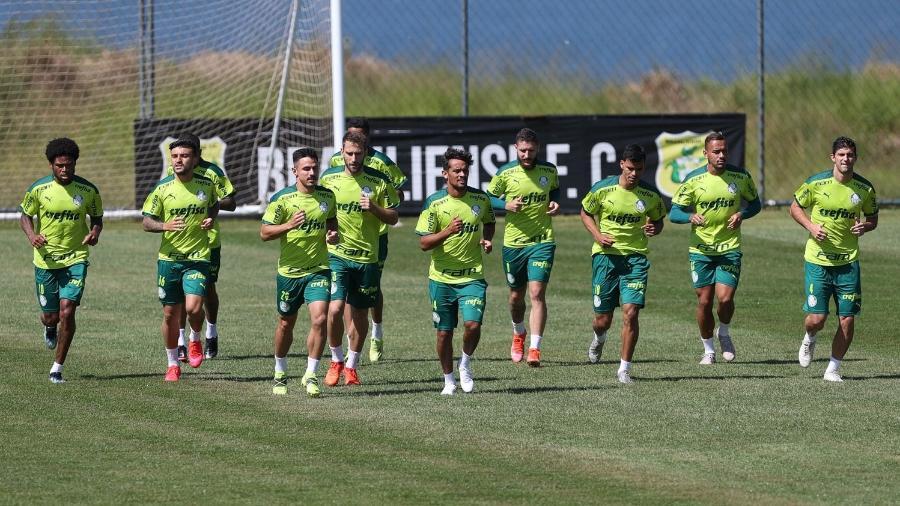 Jogadores do Palmeiras, durante treinamento no CT do Brasiliense. - Cesar Greco
